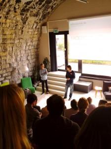 Jens Wiese und Julian Schweizer eröffnen den Social Hub